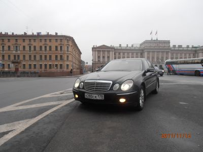 "Mercedes-Benz Rent<br><b><a href=""/park/automobile/car-rent/biz/mers211.html"" style=""color:#FFFFFF"">Подробнее... »»</a></b>"